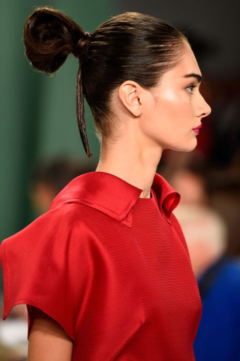 54bc27f1f2422_-_hbz-runway-hair-trends-braids-carolina-herrera-454956918